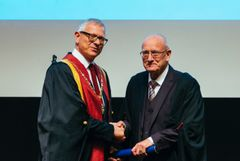 Professor David Lane receives Honorary Associate award from the Royal College of Veterinary Surgeon's